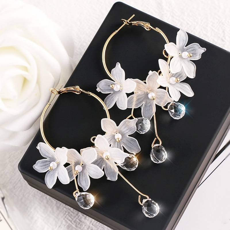 Trendy Acrylic Water Drop Women Dangle Earrings Crystal Flower Long Pendant Earrings For Women Drops Earrings Earrings